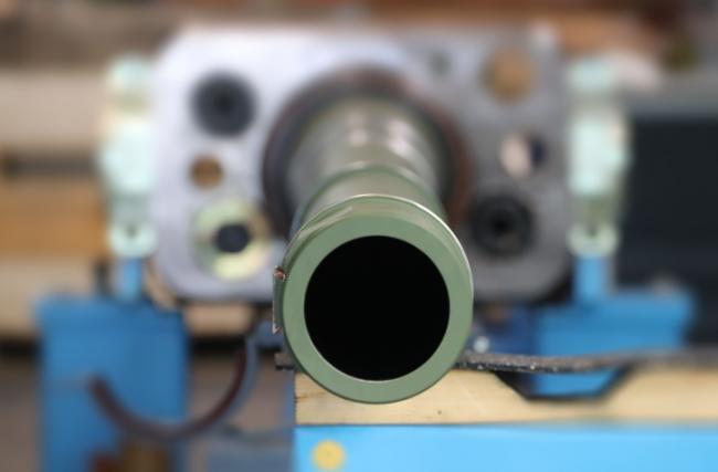 造坦克炮太费料:至少要切削一半钢材