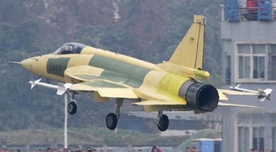 阿根廷选择购买12架枭龙战机 印媒拿出LCA对比