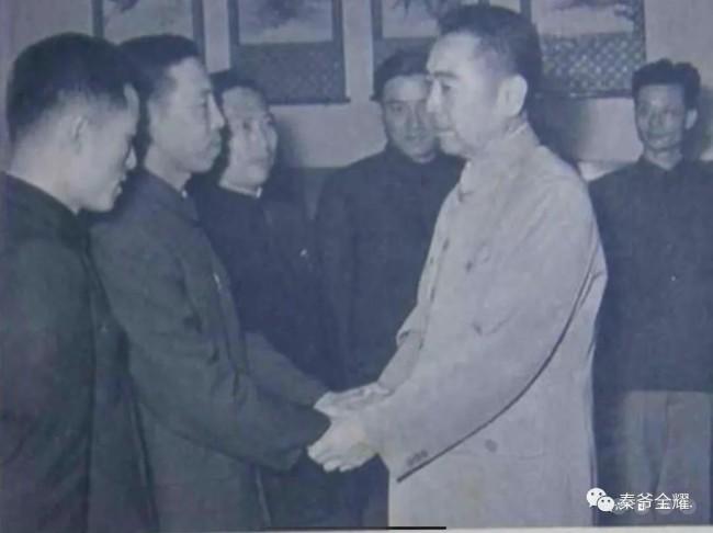 """""""九颗红心向祖国"""":五十多年前的孟晚舟事件?"""