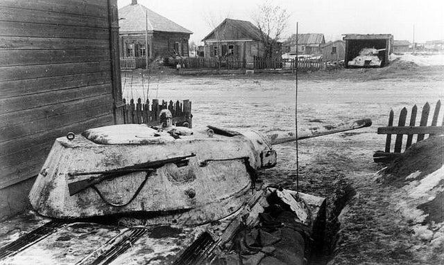 背后就是莫斯科!苏军T-34坦克在勒热夫阻击德军