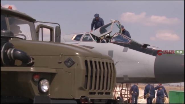 俄罗斯首次公布图22M3挂载匕首导弹画面