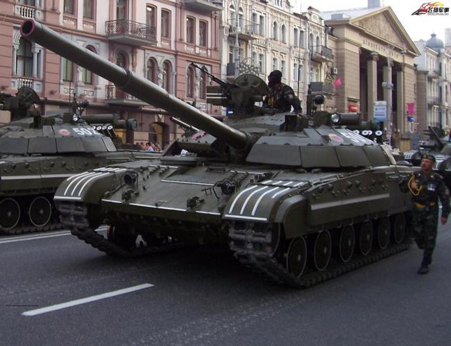 乌克兰现代化的T-64B主战坦克