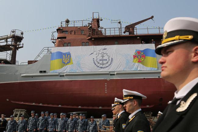 乌克兰最新间谍船下水 造型酷似拖网渔船