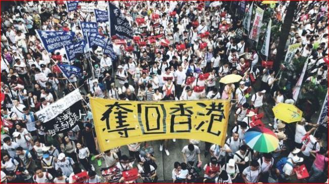 """习近平""""定于一尊""""的威权统治折戟香港"""