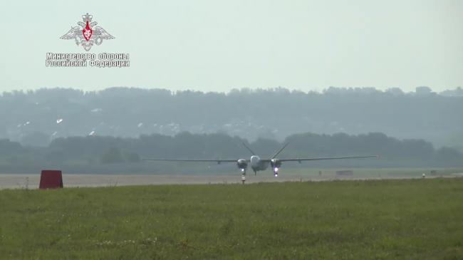 俄罗斯最新牵牛星U大型无人机首飞成功