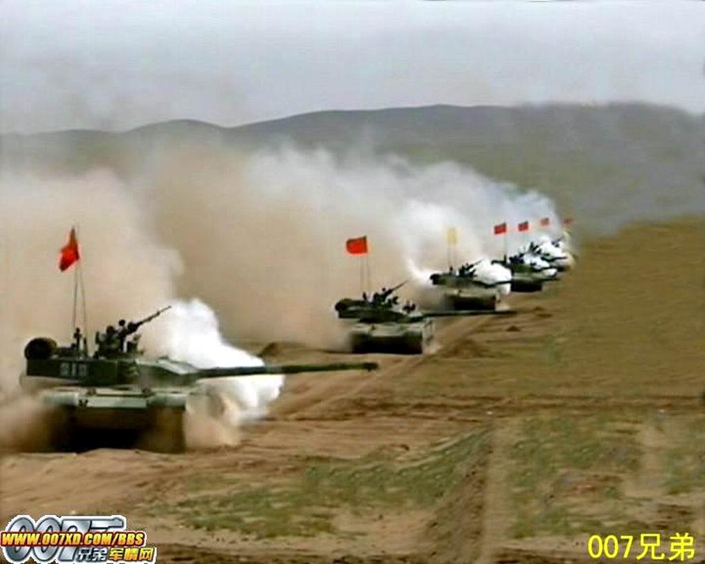 今日陆军最猛图:以前看到M1A1这样排列觉得很震撼 咱也有了