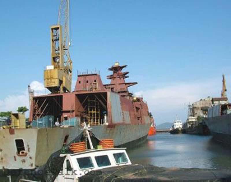 印度的最先进国产巡洋舰这模样就下水了?