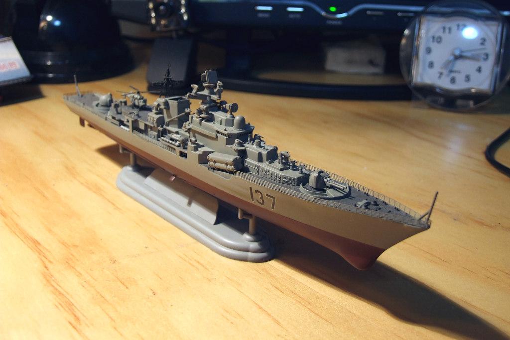 (组图) 漂亮的国产1:700比例中国海军现代级137号舰模型