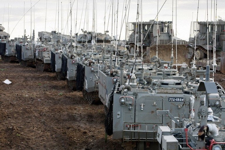 以军进攻加沙,天线林立啊!复杂电磁环境啊(组图)