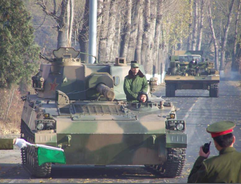 今日陆军超猛图:北京路遇御林军装甲卫队 组图