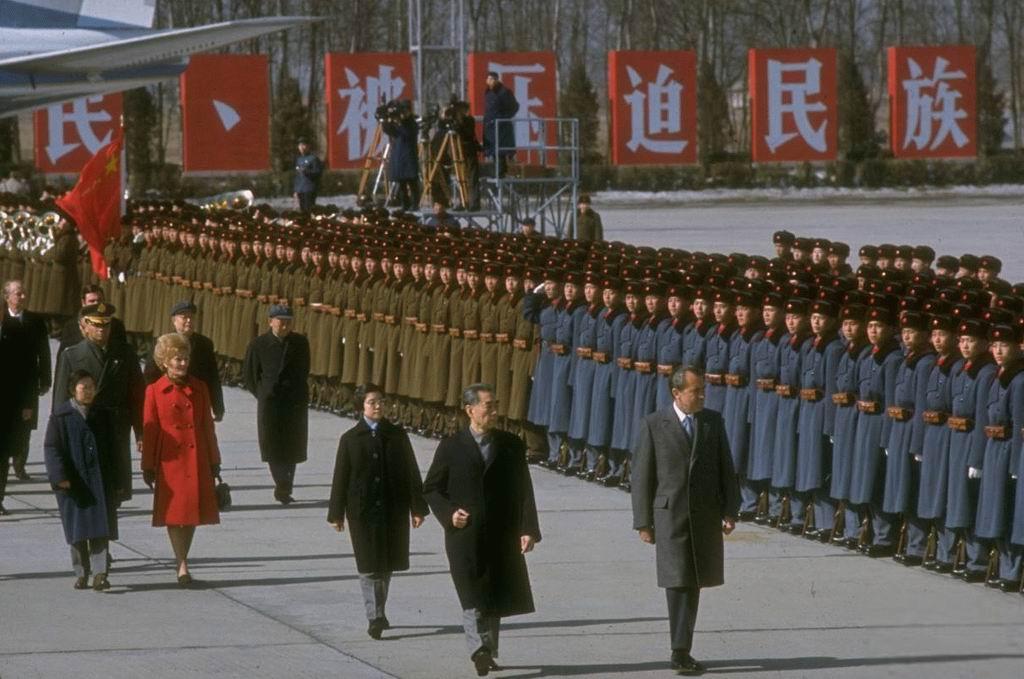 (组图)总理同志,中国人民解放军三军仪仗队列队完毕,请您检阅