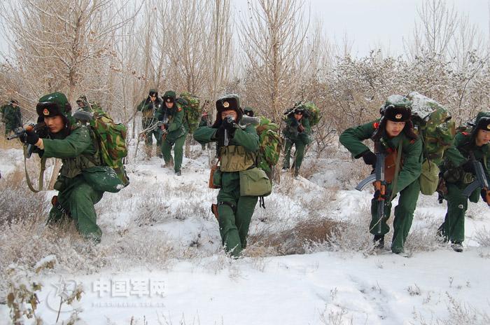 今日最猛组图:又是新疆的军事报道。。。最近军报很HIGH