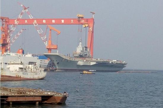 美媒预测中国002型航母或在4月23日海试 网友:靠谱