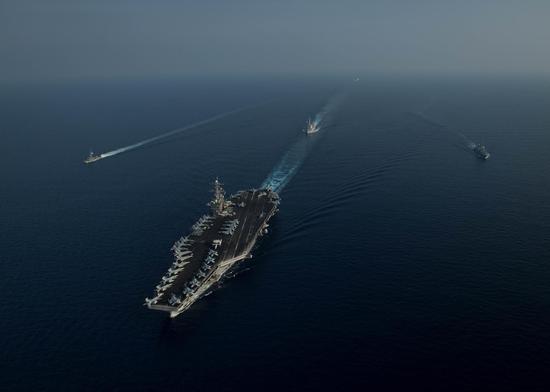 美媒:中美航母同时现身南海 美借航行自由吓唬中国