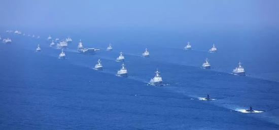 中国在南海进行大规模海上阅兵 48艘战舰受阅