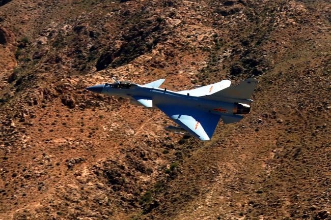 解放军空军将多用途战机J-10C投入实战作战