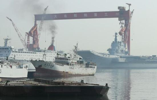 国产航母和保障船烟囱同时冒烟 今天或有动作