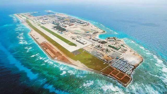 美媒:中国首次在南沙三个岛礁部署防空及反舰导弹