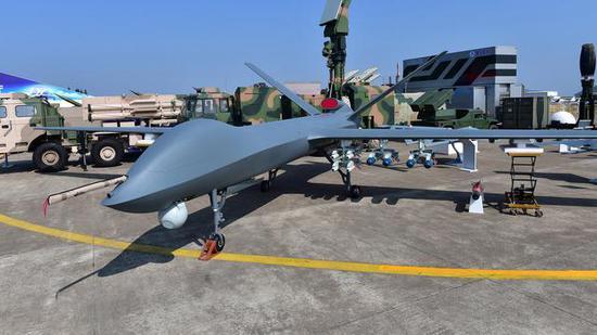 """中国无人机1200万一架多国抢购 挂16枚导弹匹敌""""死神"""""""
