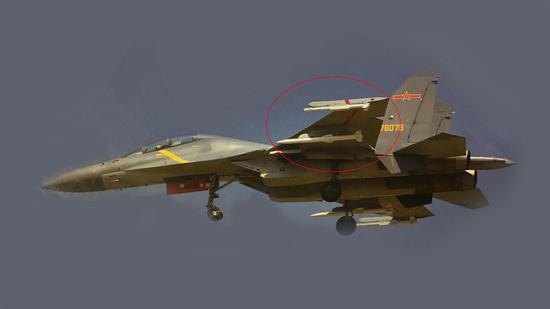 这张照片告诉你歼16空战有多强 挂两款利器远近通杀
