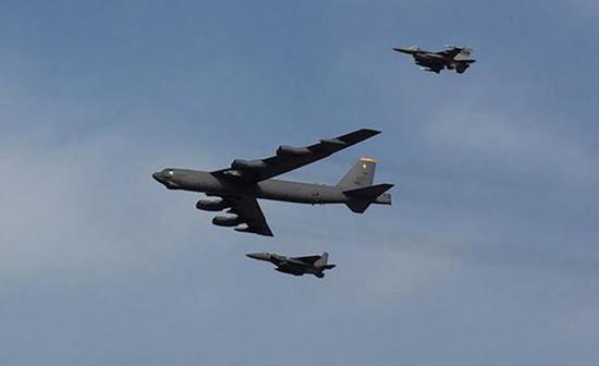 美B52轰炸机6天内两次飞越南海 或模拟发射巡航导弹