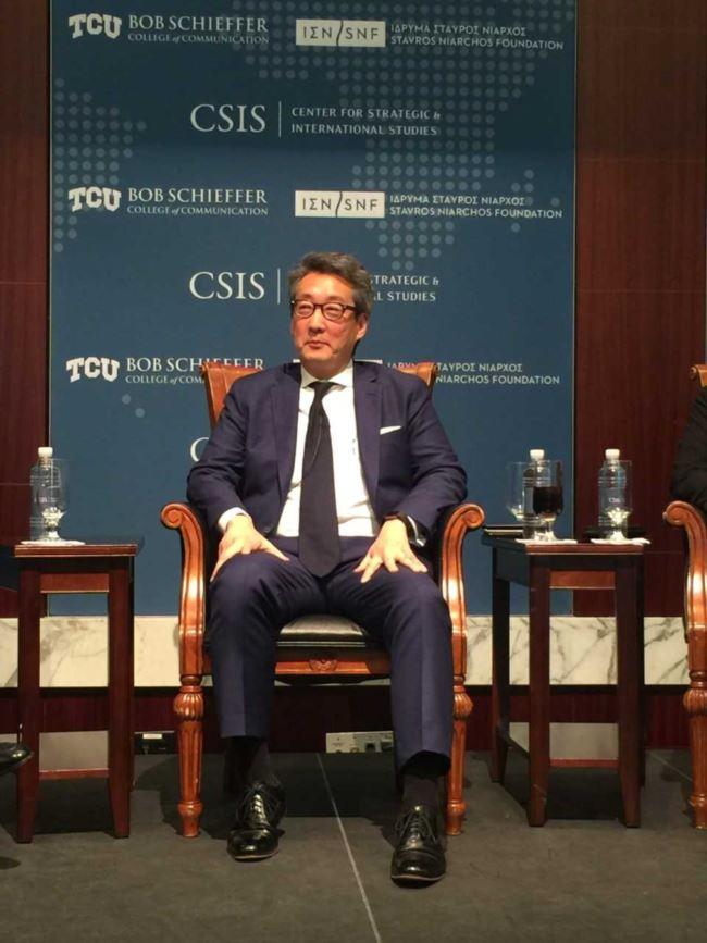 前美国国安会亚洲事务主任车维德星期三在战略与国际研究中心的研讨会上(美国之音莉雅拍摄)