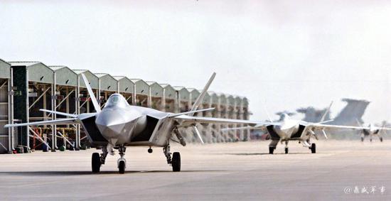 中国空军进入歼20时代 为何还装备这款60前古董战机