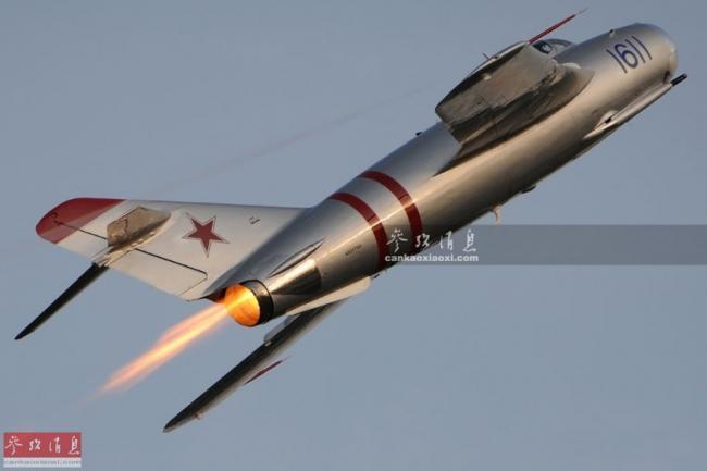 曾灭28架美机!美飞官驾米格17秀喷火术