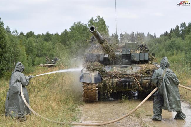 捷克陆军坦克部队战术演习