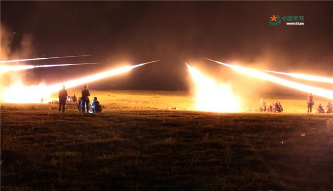 解放军炮兵部队实弹射击考核