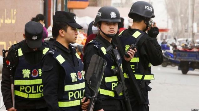 中国教育穆斯林 美议员证实关了百万人