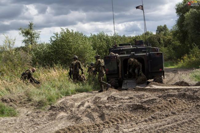 荷蘭陸軍機械化步兵營戰術演習