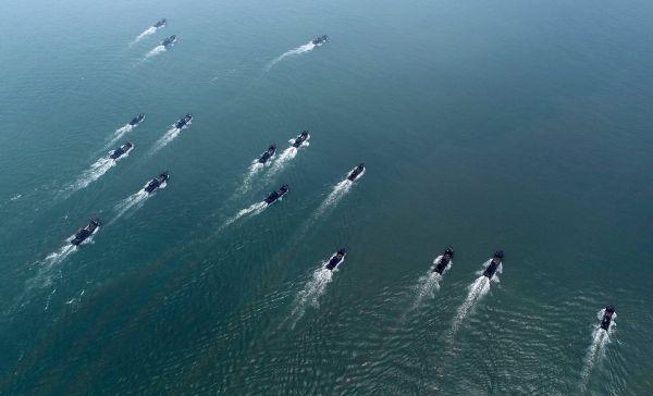 """美军舰擅闯中国南沙领海 宣称实施所谓""""航行自由""""行动"""