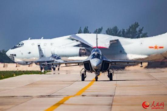 中美同时推出教练机的背后:歼-20的批量入役需求更大