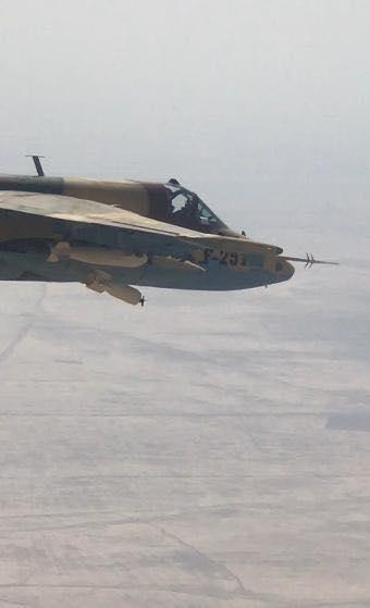 伊拉克空军苏25攻击机进行高爆炸弹空投试验