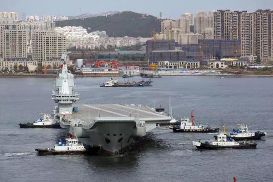 张召忠谈我国产航母第三次海试:仍与美国差得很远