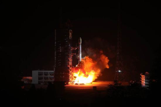 北斗即将从区域迈向全球:第42第43颗星今日发射成功