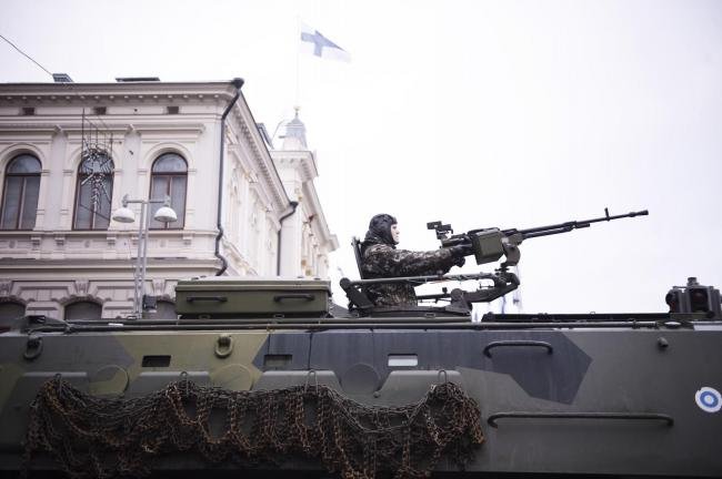芬兰举行独立101周年阅兵规模不小