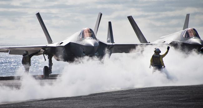 卡爾文森號航母攜F-35C戰斗機在太平洋訓練