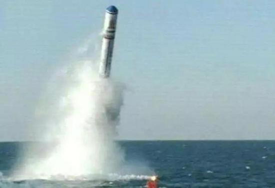 中国巨浪3配5至7个隐形弹头 射程达2万公里