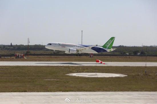 中国第3架C919首飞 但做特种军机却还不如夭折的运10