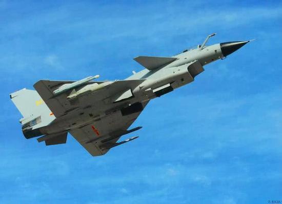 中国歼10C战机速度降低0.4马赫 战力为何不降反升