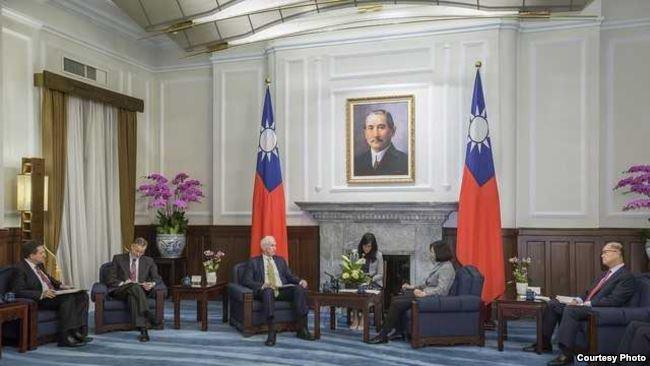 台湾总统蔡英文接见美国在台协会主席莫健(台湾总统府提供)