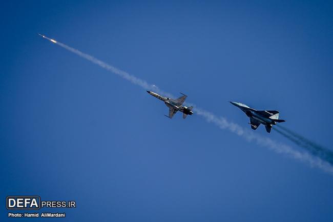 雄猫不死!伊朗空军演习出动F14战斗机