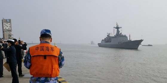 """薩德""""事件後 韓國軍艦首次訪問中國港口"""