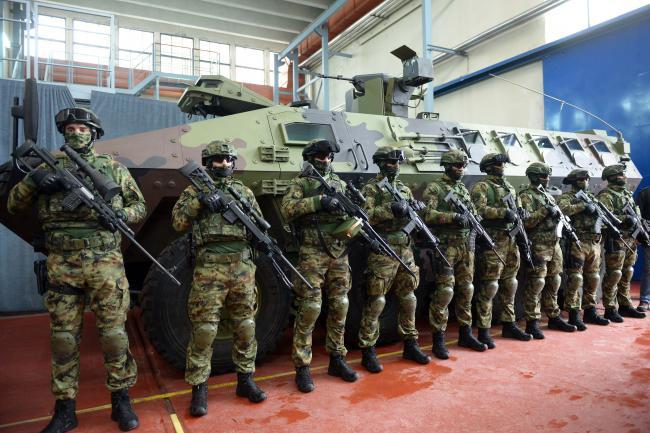 塞爾維亞展示最新型號裝甲車