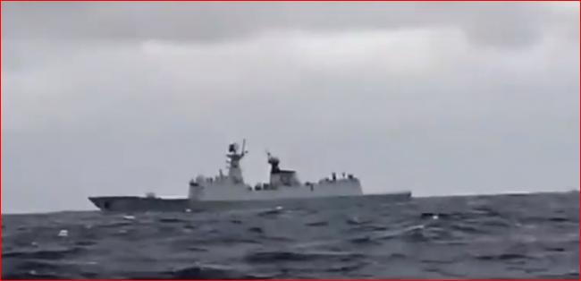 罕见!中日最新锐战舰未知海域对峙