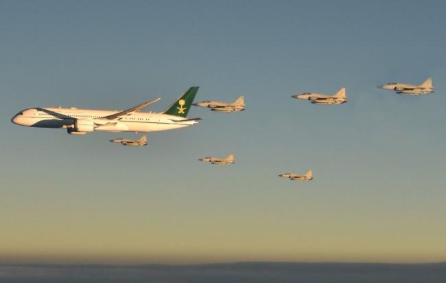 陣勢太大!沙特王儲訪巴基斯坦 6架JF17護航