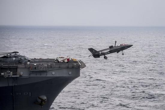国产航母如何对抗F35C:歼15D干扰 055舰两波次拦截