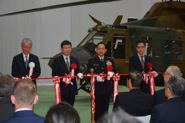 日本首架UH-X直升机原型机交付陆上自卫队